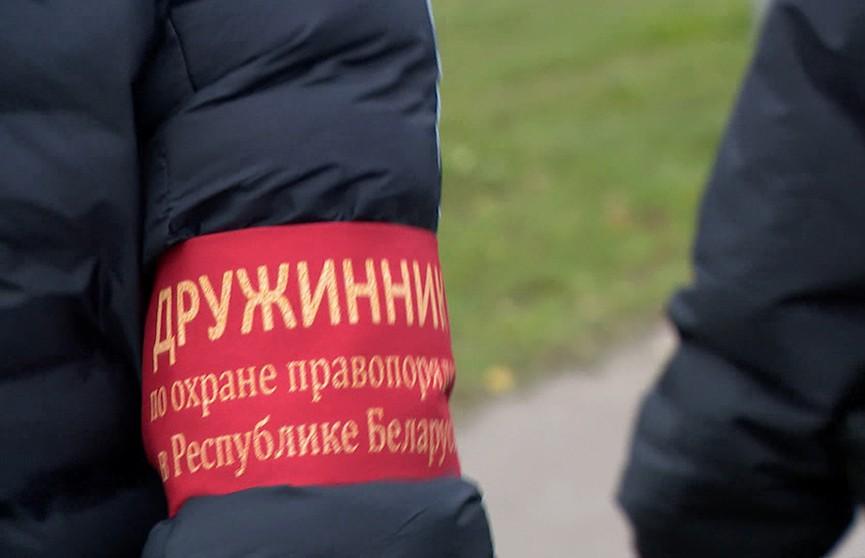 Белорусы объединяются в дружины, чтобы помогать милиции сохранять порядок на улицах городов