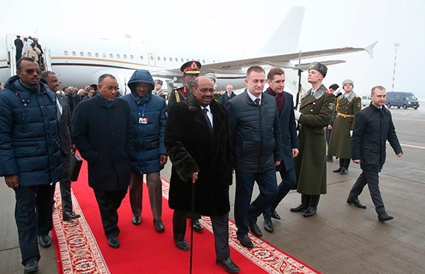 Президент Судана Омар аль-Башир прибыл с визитом в Беларусь