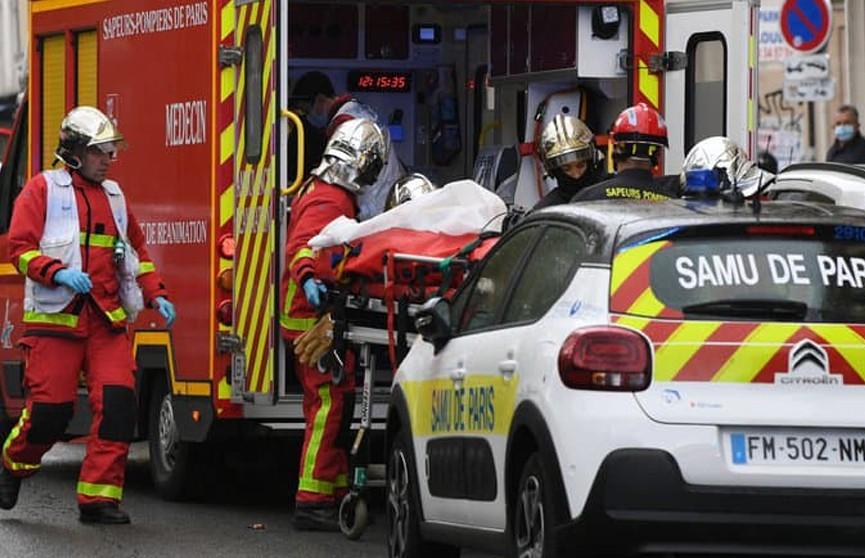 Мужчина с ножом напал на людей у бывшей редакции Charlie Hebdo в Париже