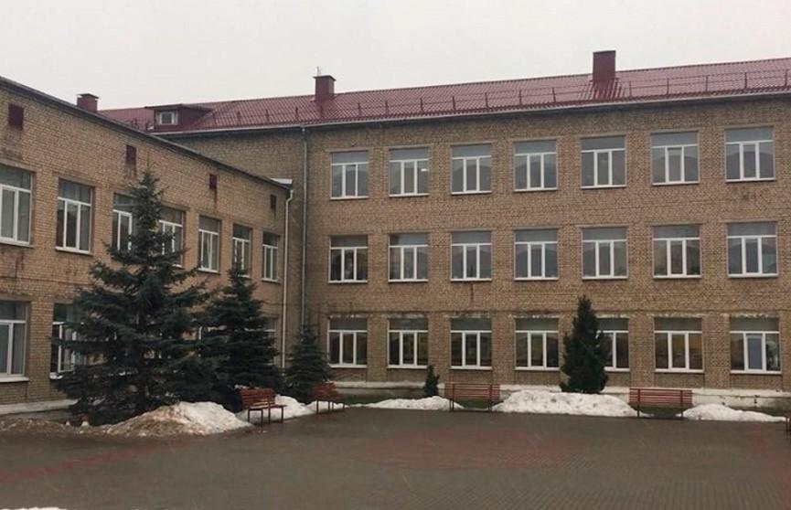 Начался суд над подростком, обвиняемом в двойном убийстве в школе в Столбцах