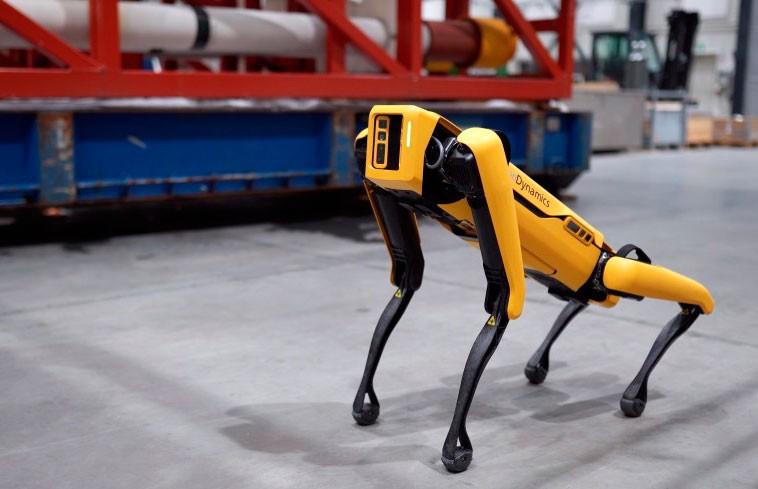 Робот-собака Spot устроился работать на нефтяную вышку
