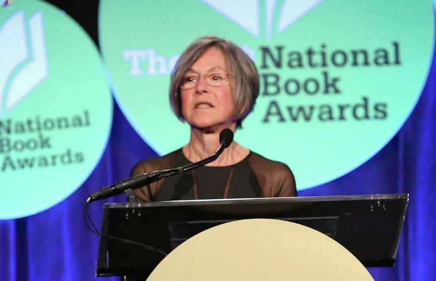 Нобелевскую премию по литературе за 2020 год получила американская поэтесса Луиза Глюк