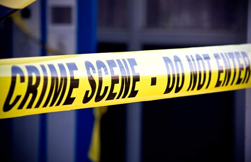 В США мужчина выхватил пистолет у охранника магазина и застрелил четырех человек