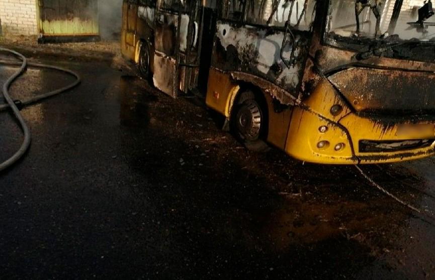 Школьный автобус сгорел в Климовичах
