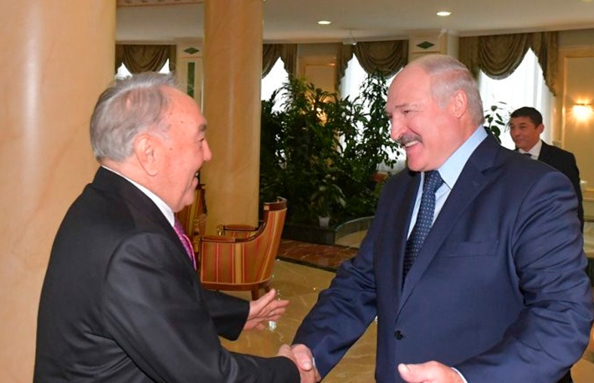 Александр Лукашенко встретился с первым президентом Казахстана Нурсултаном Назарбаевым