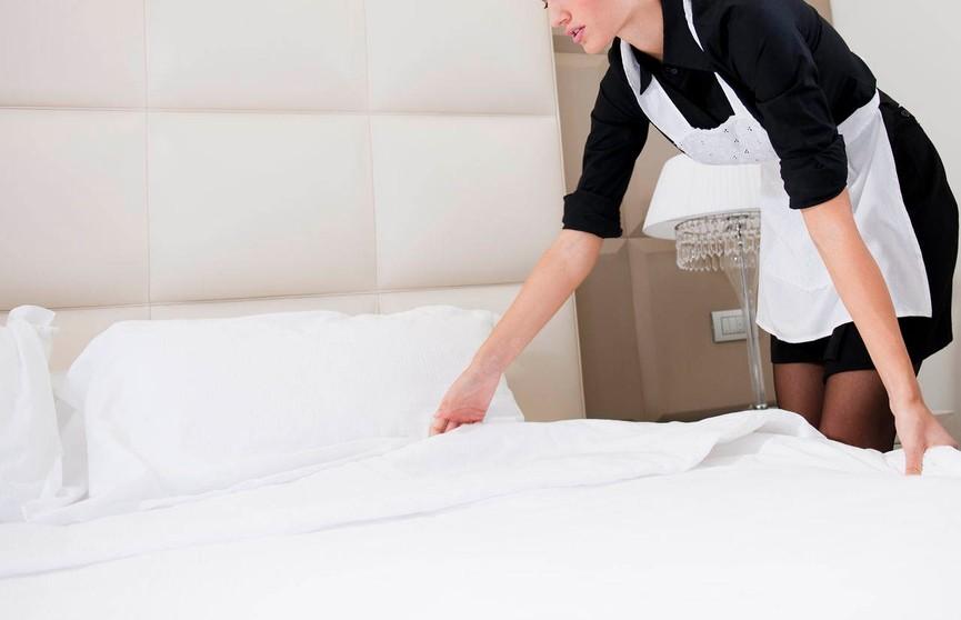 Медики не рекомендуют спать в отеле без одежды