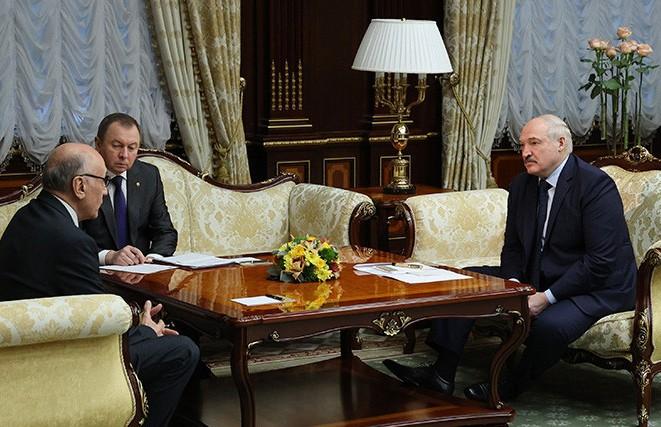 Александр Лукашенко отметил значительный прогресс в развитии сотрудничества с Узбекистаном