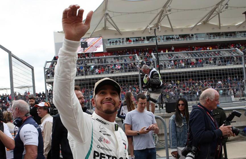 Формула-1: Льюис Хэмилтон выиграл квалификацию гран-при США