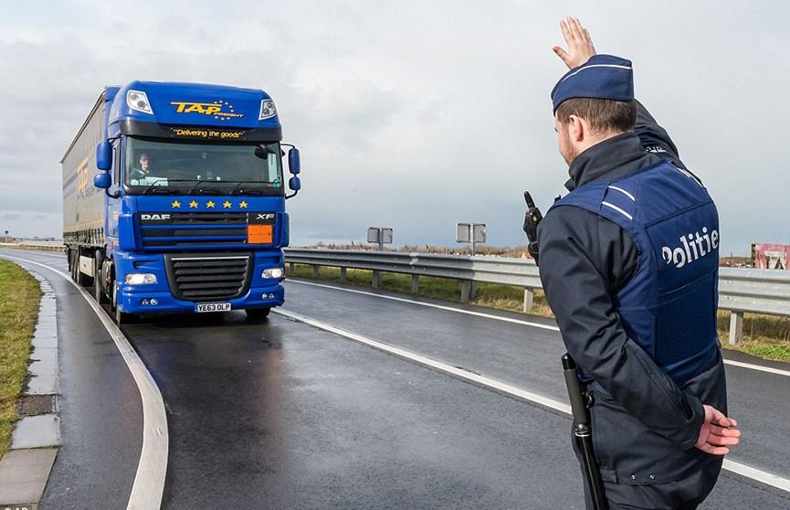 Бельгийские полицейские отказались штрафовать водителей в знак протеста