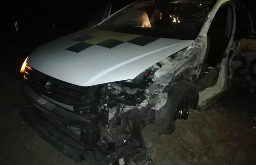 Авария на трассе Минск – Гродно: такси столкнулось с фурой