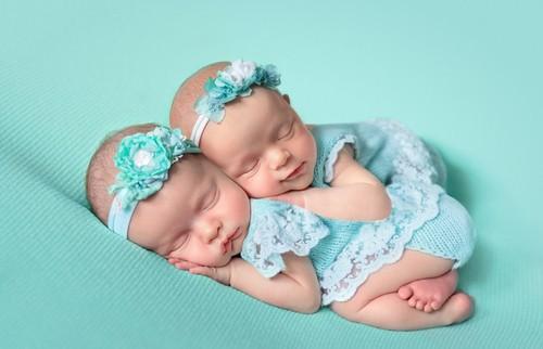 Шестеро близнецов впервые родились в Польше