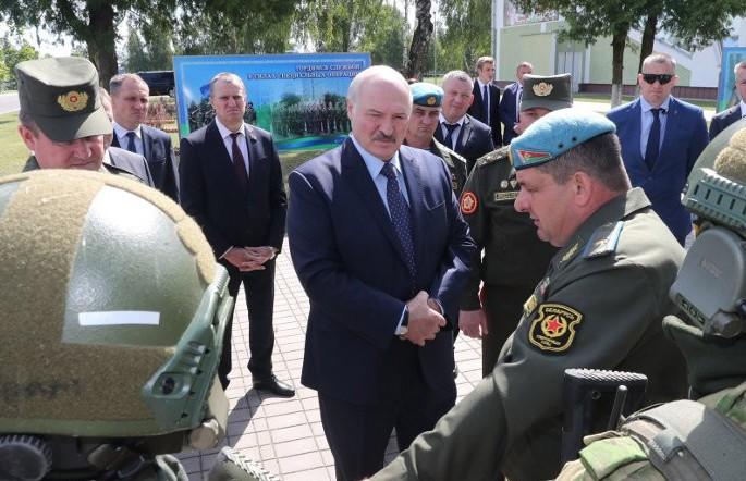 Лукашенко посетил коллектив 5-й бригады специального назначения в Марьиной Горке