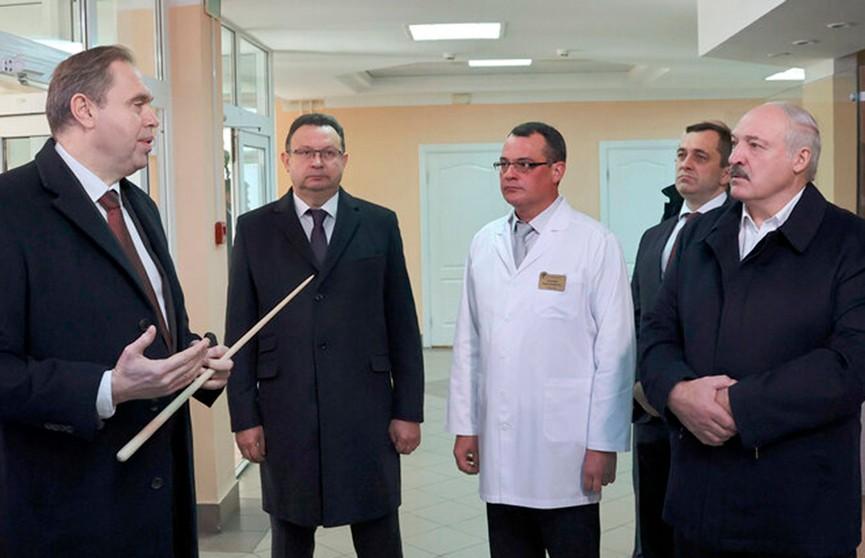Лукашенко: Провакцинировался – меньше болеешь, а если и заболел – жить будешь, вылечим
