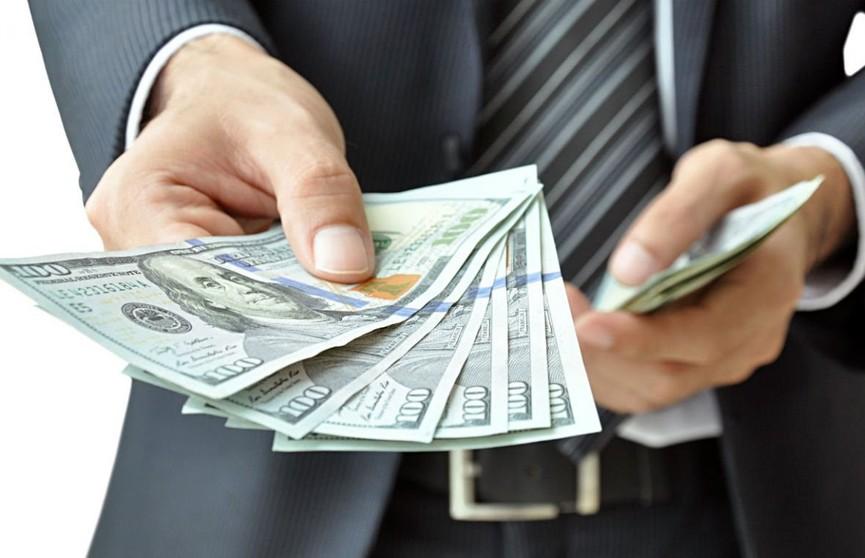 Мужчина взял в долг 10 тысяч долларов и не вернул: ему грозит до 7 лет лишения свободы