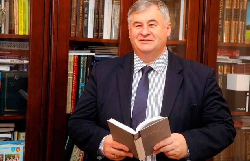 Министр информации Беларуси снялся в ролике для Tik Tok (ВИДЕО)