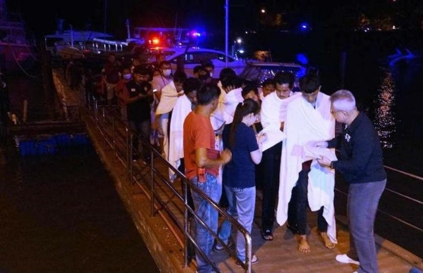 В Таиланде после крушения парома без вести пропали шесть человек