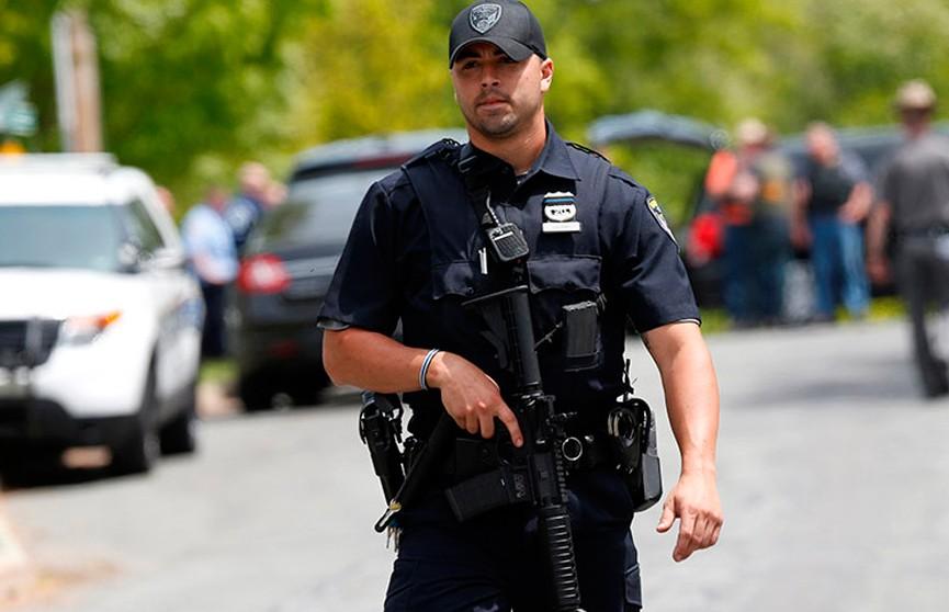 Американец застрелил пять человек, а затем покончил с собой