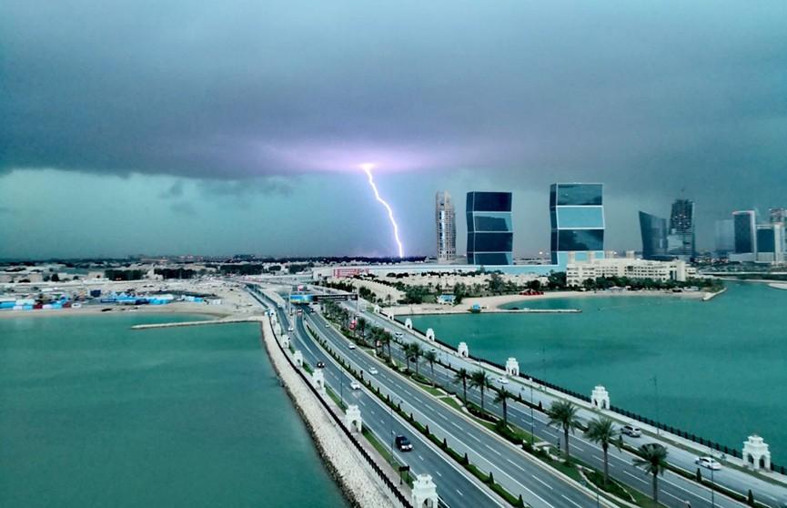 В Катаре впервые за 10 лет пошёл дождь