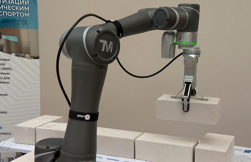 Студенты из Бреста разработали робота, который способен делать кирпичную кладку. Только взгляните!
