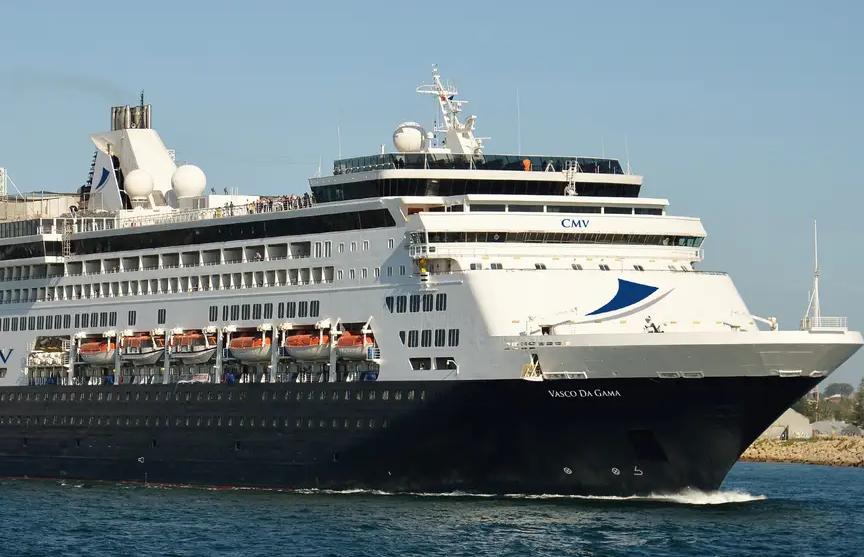 Более 800 пассажиров застряли на корабле у берегов Австралии