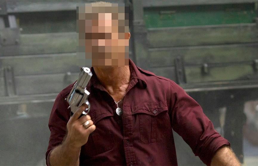 Пенсионер из Могилёва гулял с пистолетом в руках, мужчина задержан