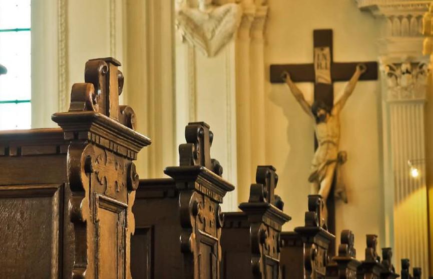 Более 300 американских священников обвинили в педофилии