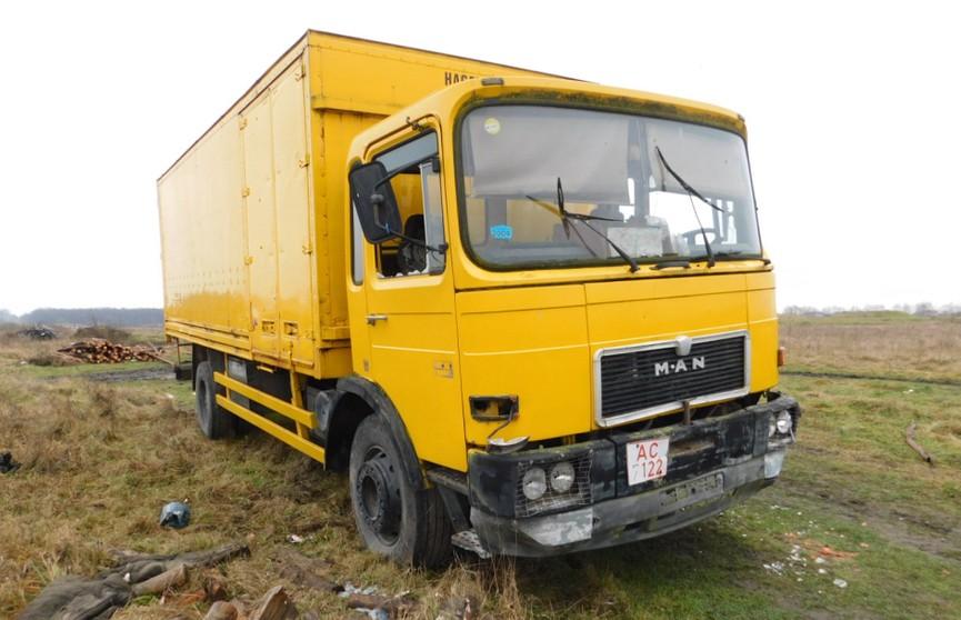 Трое детей разбили грузовик в Столинском районе