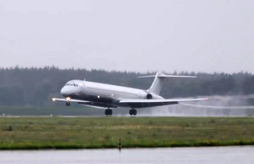 Пассажирский самолёт совершил экстренную посадку в аэропорту Борисполя
