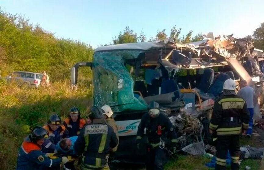 Семь человек погибли в аварии с автобусом в Калининградской области