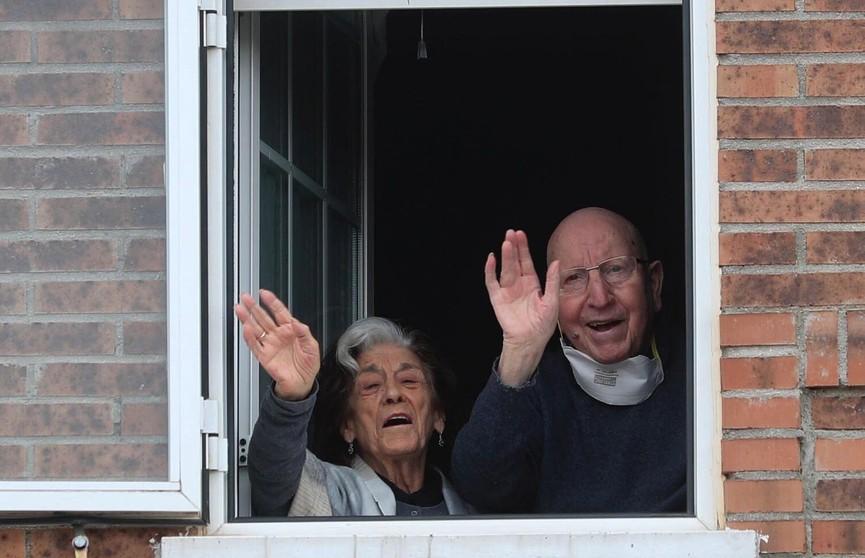 Пожилые супруги в Испании вылечились от коронавируса