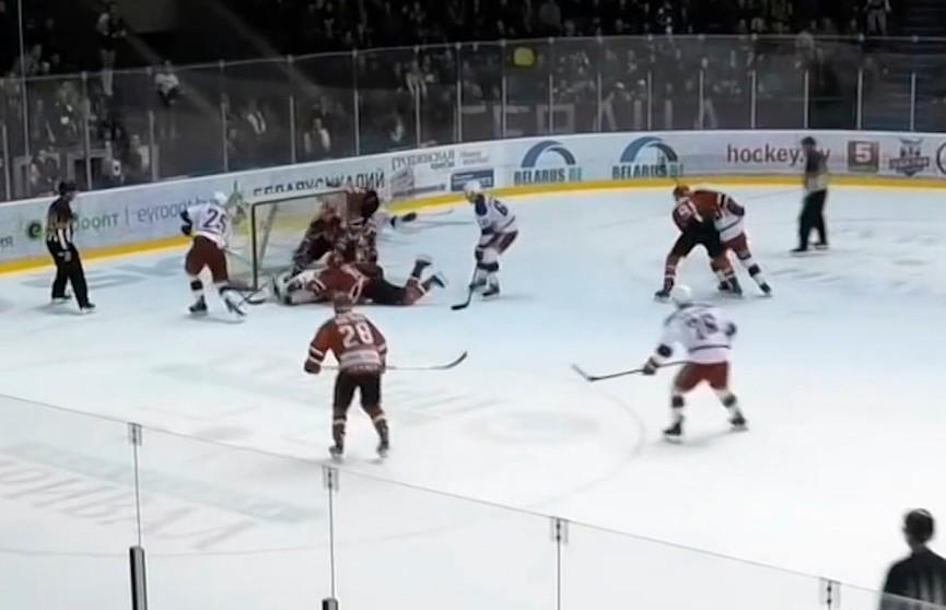 Четвёртый матч финальной серии хоккейного Кубка Президента выиграла «Юность»