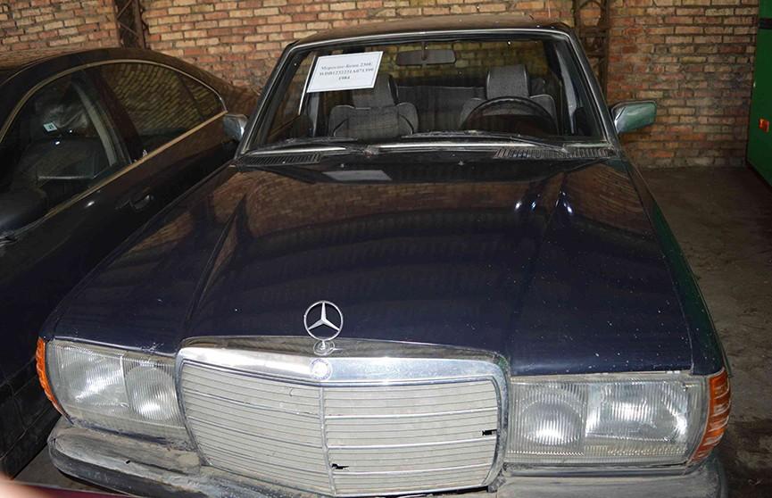 КГБ Беларуси выставил на продажу свой автопарк. Многие из «шпионских» автомобилей выпустили в 80-е годы