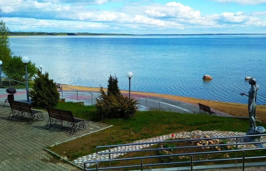 Нарочь возглавляет список наиболее популярных курортов СНГ для лечебно-оздоровительного отдыха.