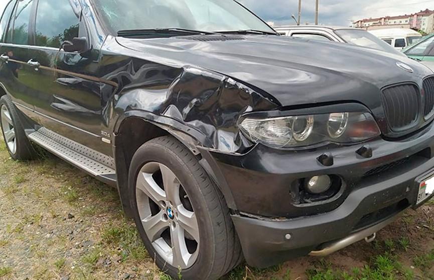 Водитель BMW из Солигорска насмерть сбил пешехода и скрылся