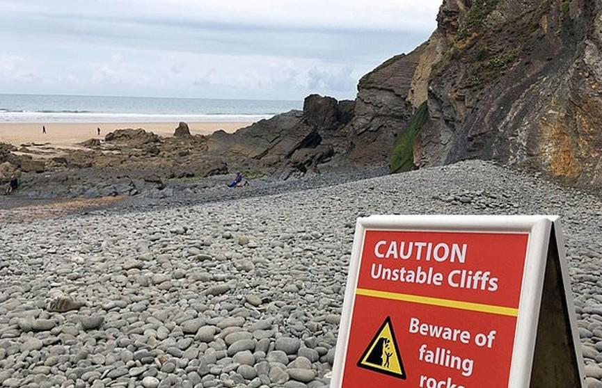 Камень весом в полторы тонны раздавил туриста в Англии