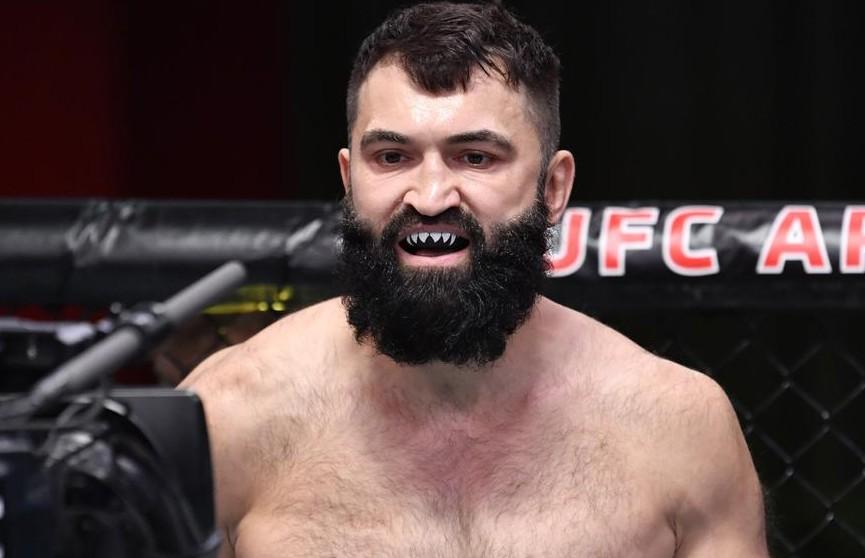 Белорус Андрей Орловский одержал победу на турнире UFC on ESPN 22