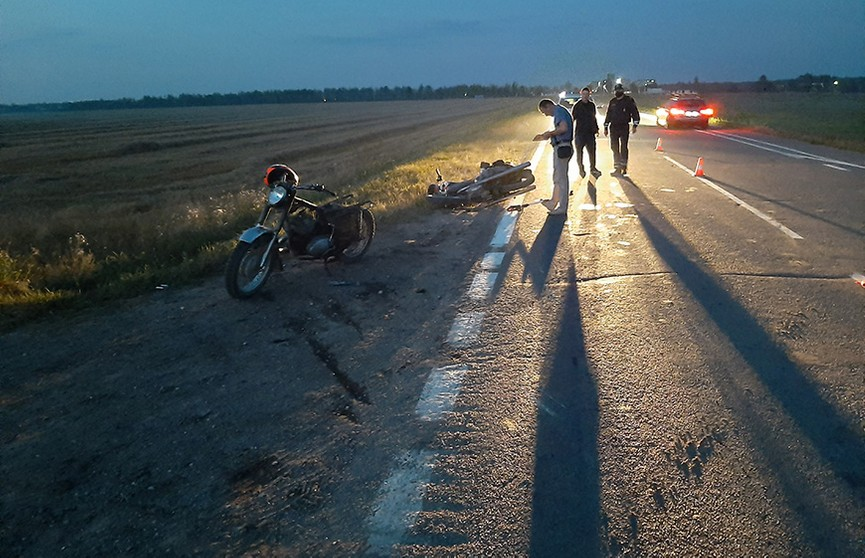 ДТП в Пуховичском районе: два подростка на мотоциклах столкнулись