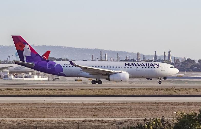 На Гавайях аварийно приземлился самолёт: пострадали 7 человек (ВИДЕО)