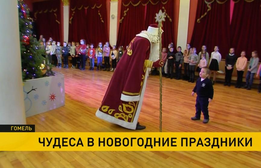 Акция «Наши дети»: подарки передали представители Федерации лёгкой атлетики и ФК «Динамо», а также архиепископ Гомельский и Жлобинский
