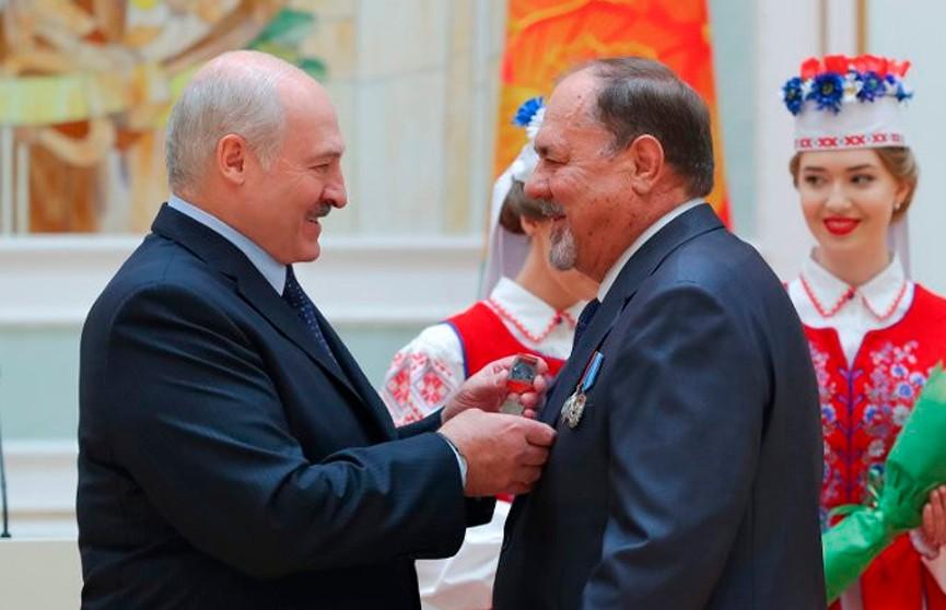 Лукашенко вручил госнаграды: «Глядя на вас, испытываю гордость и самую глубокую признательность»
