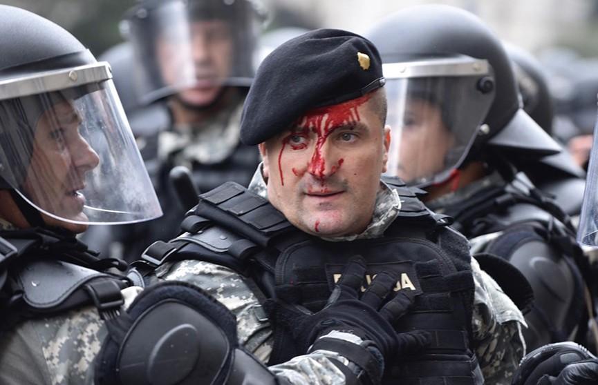 Протесты ветеранов Боснийской войны в Сараево вылились в стычки в полицией