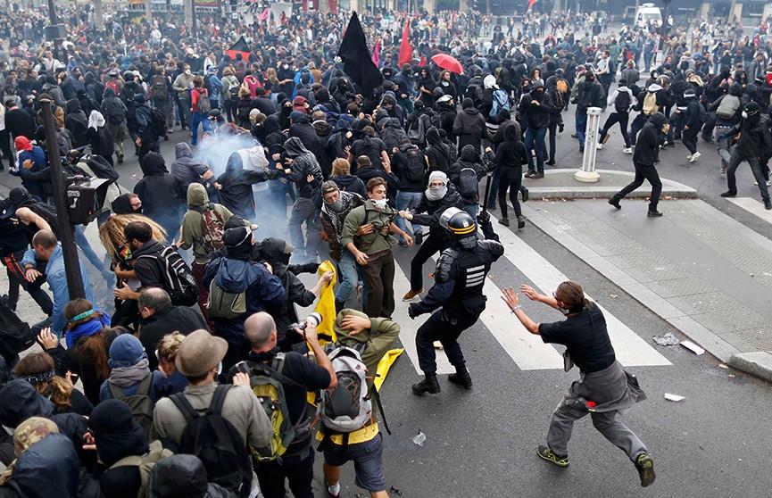Четвёртые выходные подряд: насилие и столкновения в Париже