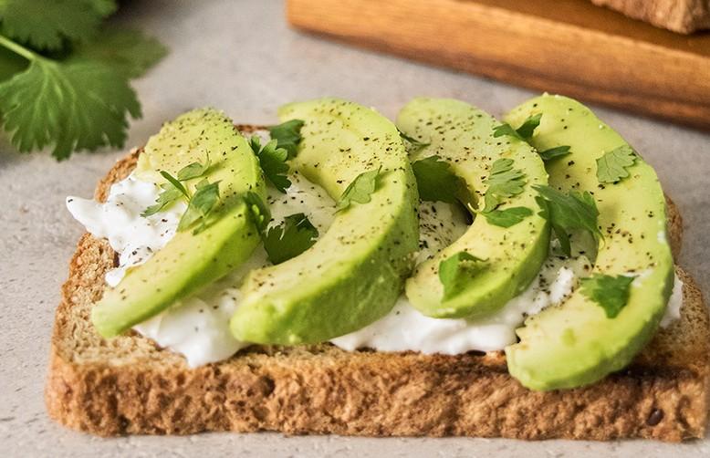 Чем заменить колбасу на бутербродах? Советы диетолога