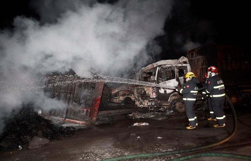 Мощный взрыв возле химзавода в Китае. Десятки жертв