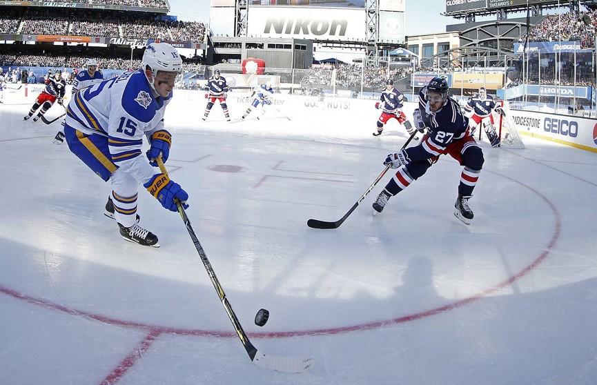 Клубы NHL рассматривают возможность игры на открытом воздухе для допуска болельщиков