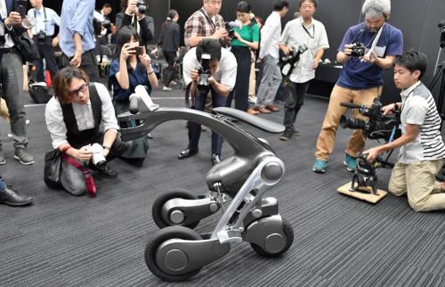 Универсального робота создали в Японии (Видео)