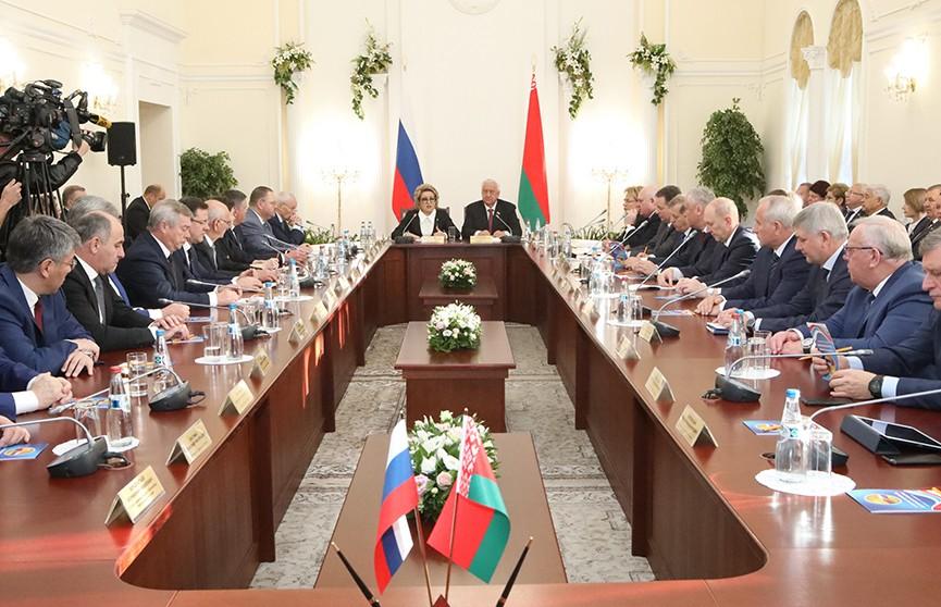 V Форум регионов Беларуси и России: подписано 76 новых региональных соглашений