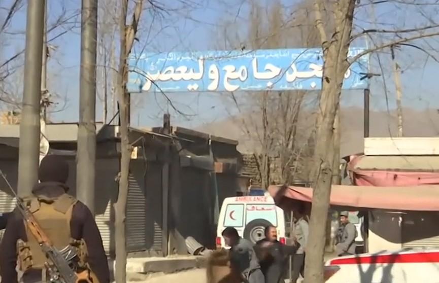 Теракт в Афганистане: ИГИЛ взяло на себя ответственность за атаку. Количество жертв возросло до 25