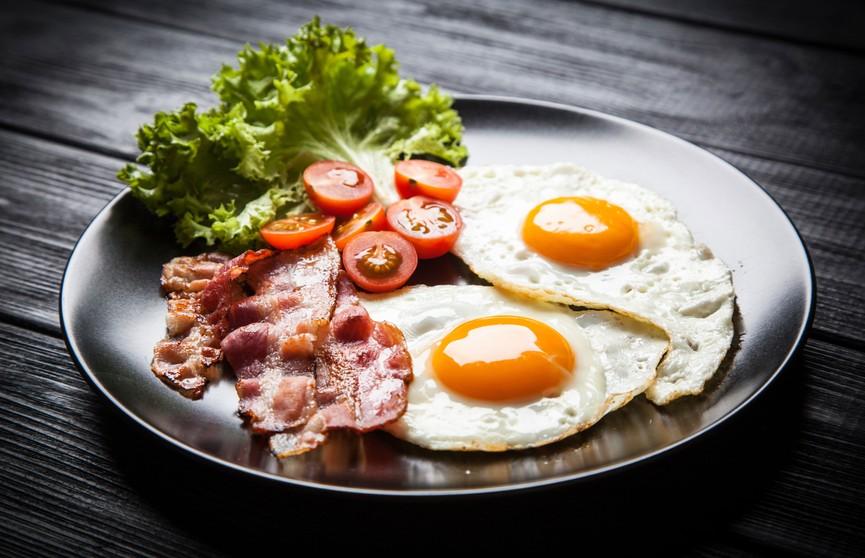 Американские учёные: потребление свыше 2-3 яиц в неделю повышает риск преждевременной смерти