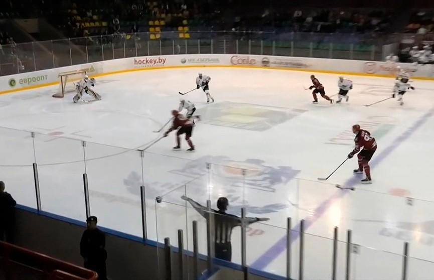 ЧМ Беларуси по хоккею: «Неман» разгромил солигорский «Шахтёр»